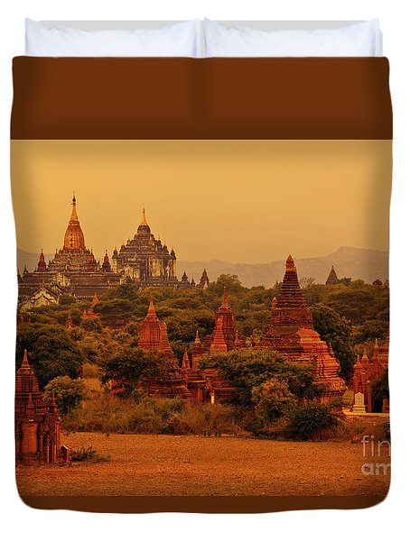 Burma_d2136 Duvet Cover by Craig Lovell