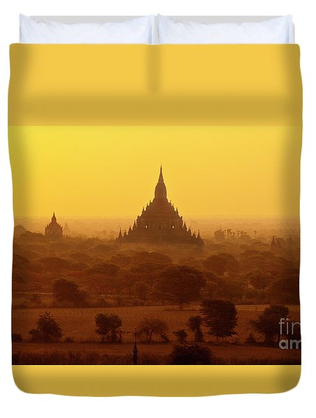 Burma_d2227 Duvet Cover by Craig Lovell