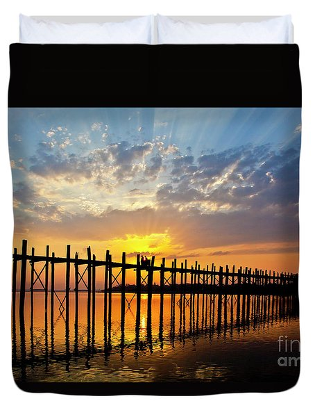 Burma_d819 Duvet Cover by Craig Lovell