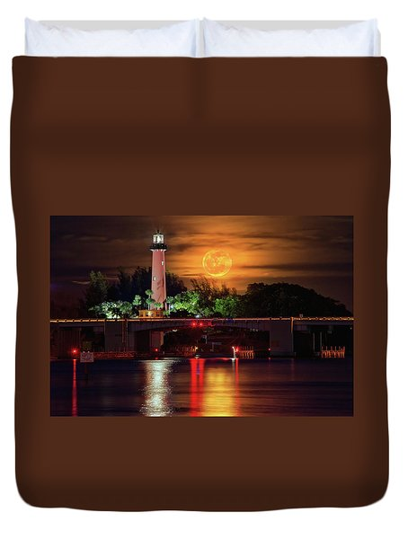 Duvet Cover featuring the photograph Burning Moon Rising Over Jupiter Lighthouse by Justin Kelefas