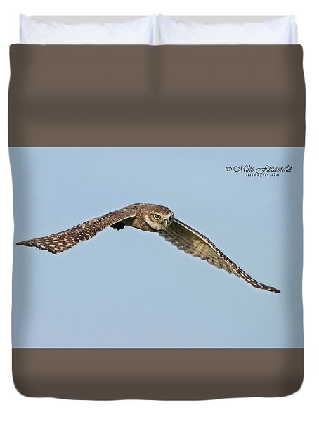 Burrowing Owl In Flight Duvet Cover