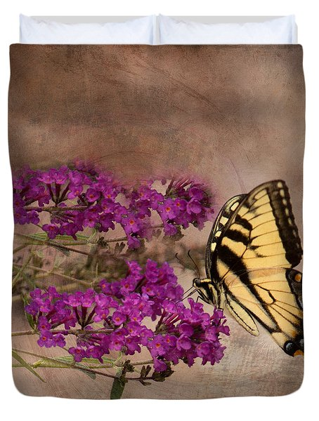 Butterfly , Eastern Tiger Swallowtail Duvet Cover
