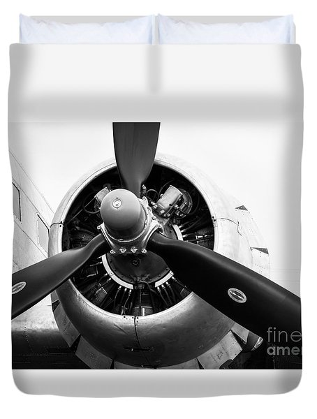 C-47 Engine Bw Duvet Cover