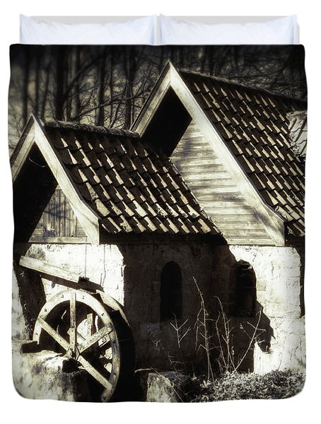 Cabin In The Woods Duvet Cover by Wim Lanclus