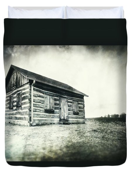 Cabin Near Paradise Springs - Kettle Moraine State Forest Duvet Cover by Jennifer Rondinelli Reilly - Fine Art Photography