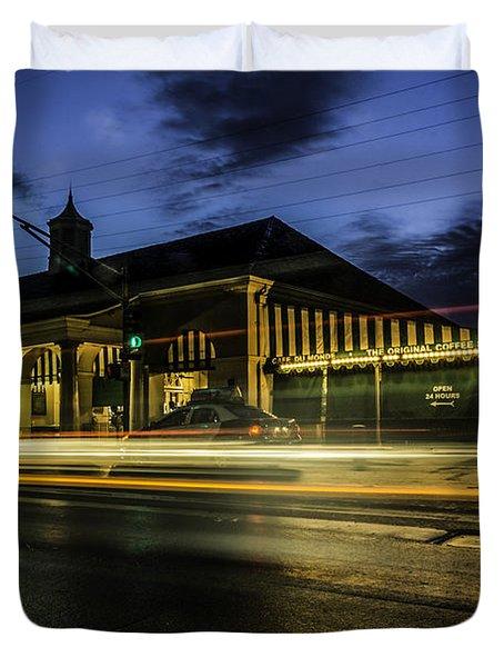 Cafe Du Monde, New Orleans, Louisiana Duvet Cover