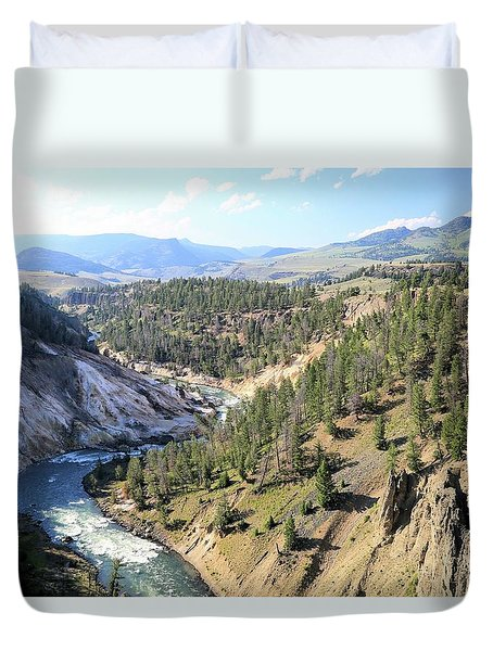 Calcite Springs Along The Bank Of The Yellowstone River Duvet Cover
