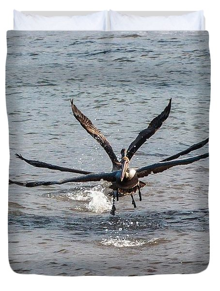 California Brown Pelicans Flying In Tandem Duvet Cover