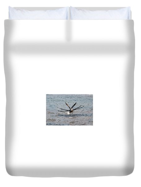 California Brown Pelicans Flying In Tandem Duvet Cover