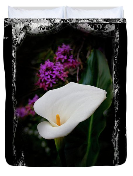 Duvet Cover featuring the photograph Calla Lily Splash by Al Bourassa