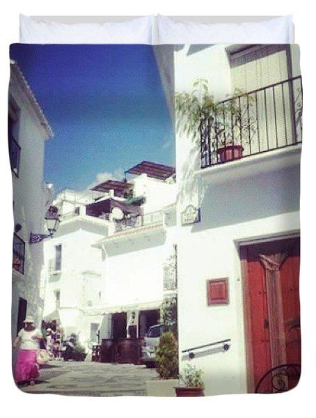 Calles De Frigiliana, Pueblo Blanco De Malaga - Spain Duvet Cover