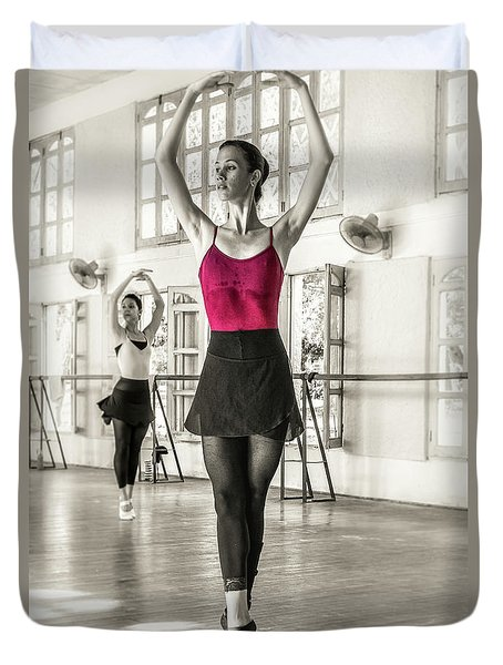 Camaguey Ballet 1 Duvet Cover