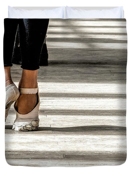 Camaguey Ballet 2 Duvet Cover