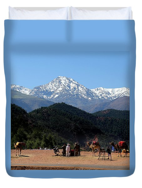 Duvet Cover featuring the photograph Camels 1 by Andrew Fare