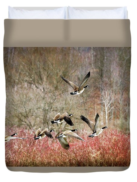 Canada Geese In Flight Duvet Cover