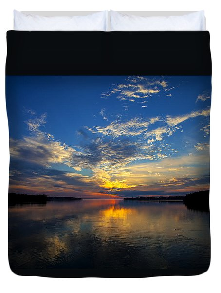 Canada Your's To Discover Duvet Cover