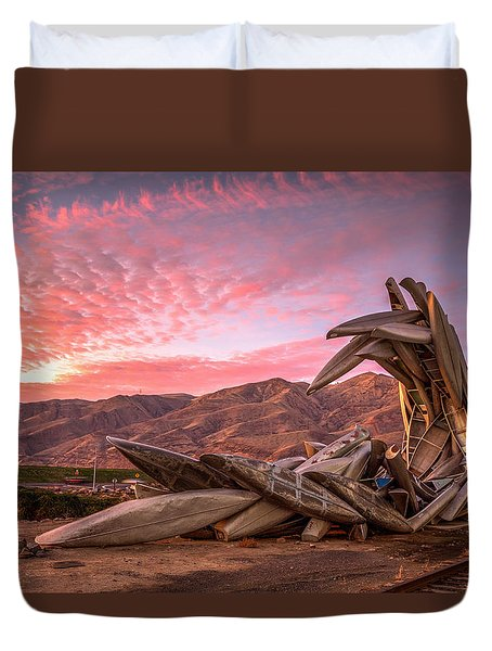 Canoe Art Sculpture With Pink Clouds Duvet Cover