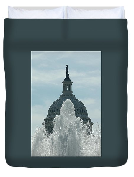 Capital Dome Behind Fountain Duvet Cover