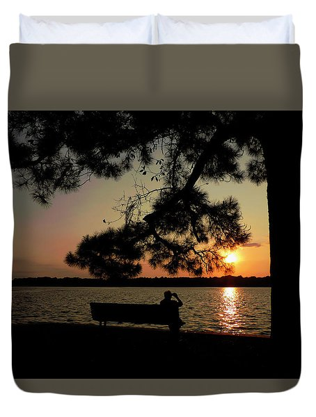 Capturing The Sunset Duvet Cover by Teresa Schomig