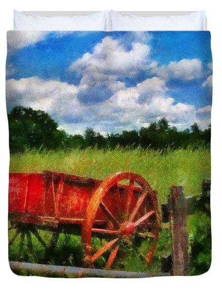 Car - Wagon - The Old Wagon Cart Duvet Cover by Mike Savad