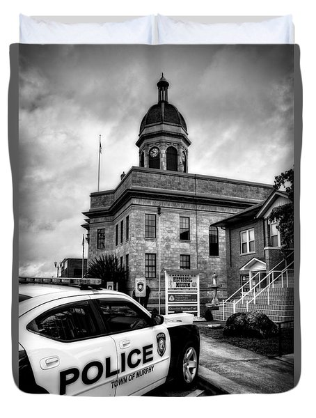 Car And Courthouse In Black And White Duvet Cover