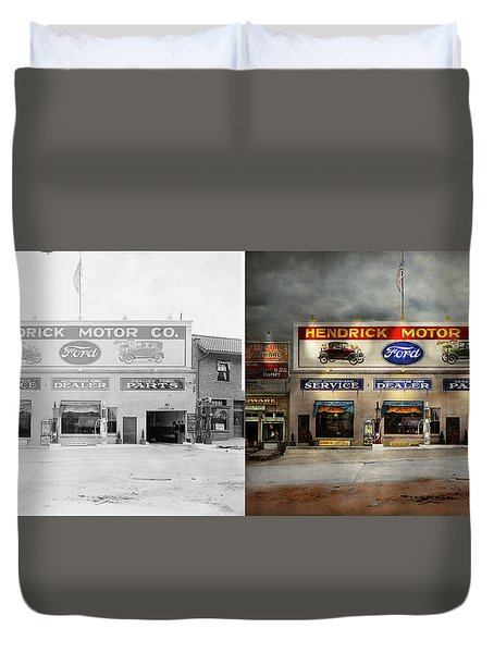 Duvet Cover featuring the photograph Car - Garage - Hendricks Motor Co 1928 - Side By Side by Mike Savad