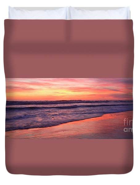 Cardiff Waves Duvet Cover