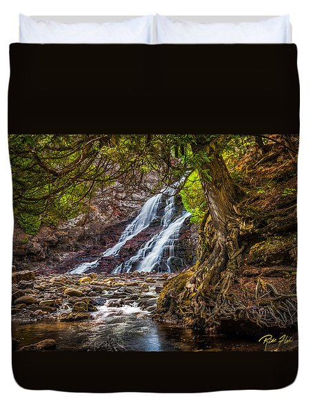Duvet Cover featuring the photograph Caribou Falls In Fall by Rikk Flohr