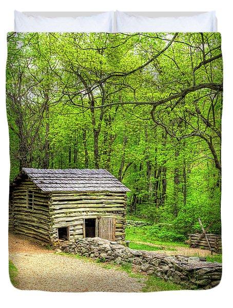 Carter Farm Barn Duvet Cover