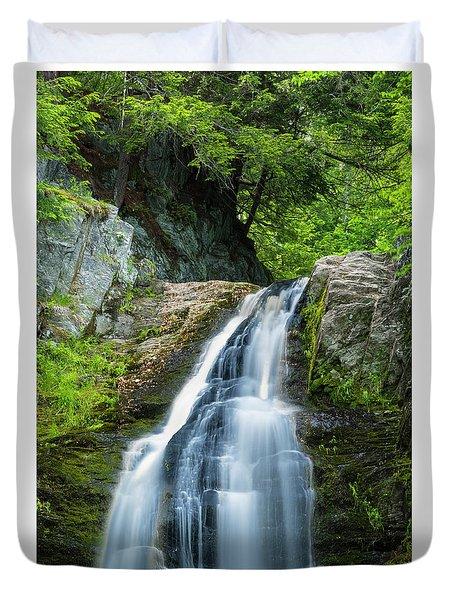 Cascade Falls In South Portland In Maine Duvet Cover