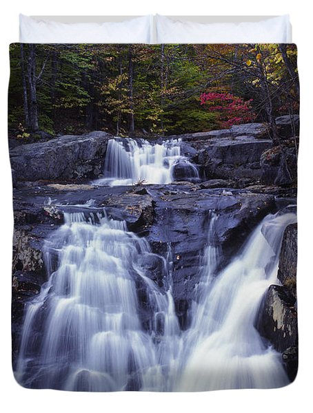 Cascades In Autumn Duvet Cover