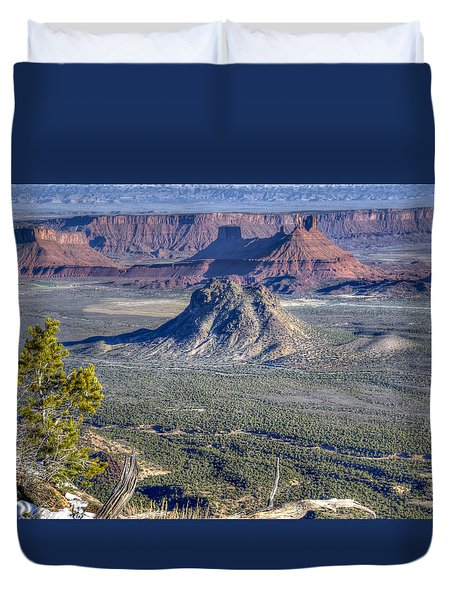 Duvet Cover featuring the photograph Castle Valley Overlook by Alan Toepfer
