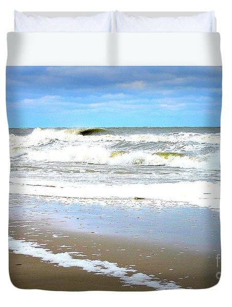 Duvet Cover featuring the photograph Catch A Wave by Shelia Kempf