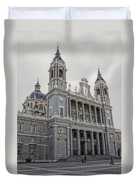 Catedral De La Almudena Duvet Cover