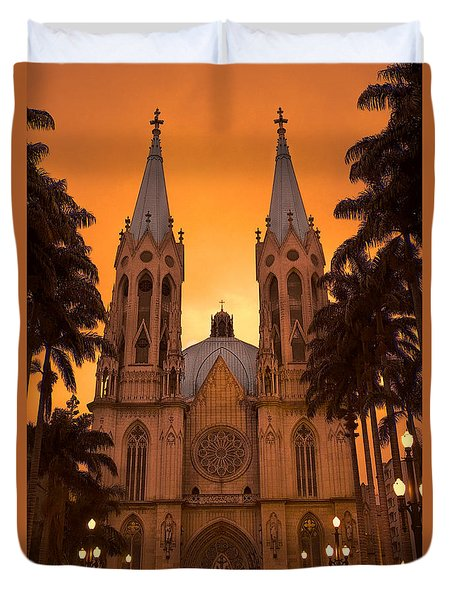 Duvet Cover featuring the photograph Catedral De Sa by Kim Wilson