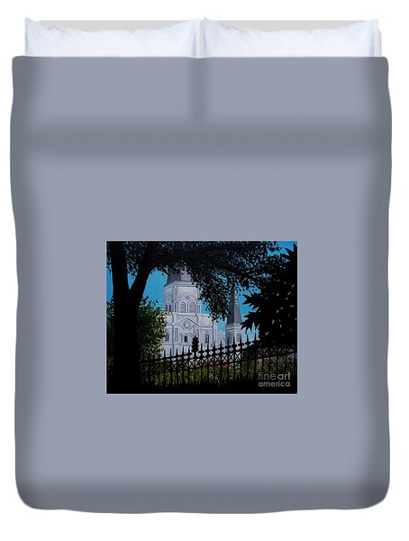 Cathedral At The Square Duvet Cover