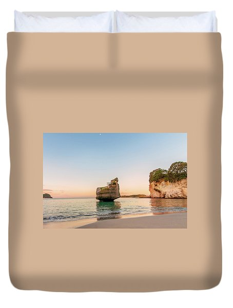 Cathedral Cove, New Zealand Duvet Cover