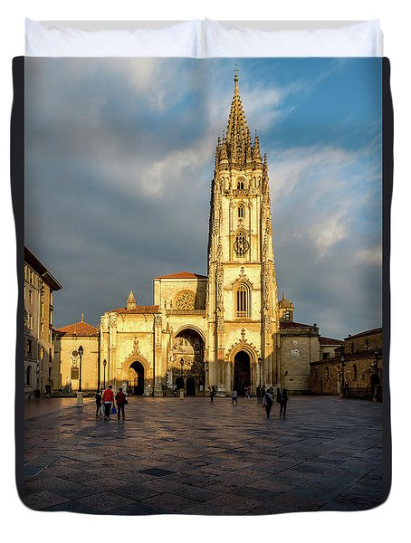 Cathedral Of Oviedo Duvet Cover