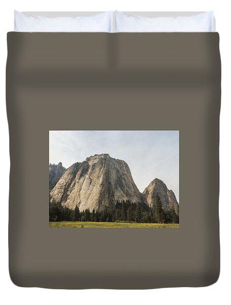 Cathedral Spires Yosemite Valley Yosemite National Park Duvet Cover