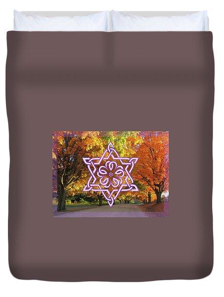 Celtic Hexagram Rose In Lavandar Duvet Cover