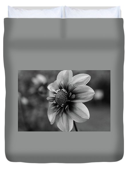 Center Attraction Duvet Cover