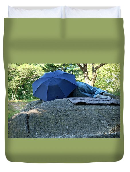 Duvet Cover featuring the photograph Central Park Beauty Rest by Vinnie Oakes