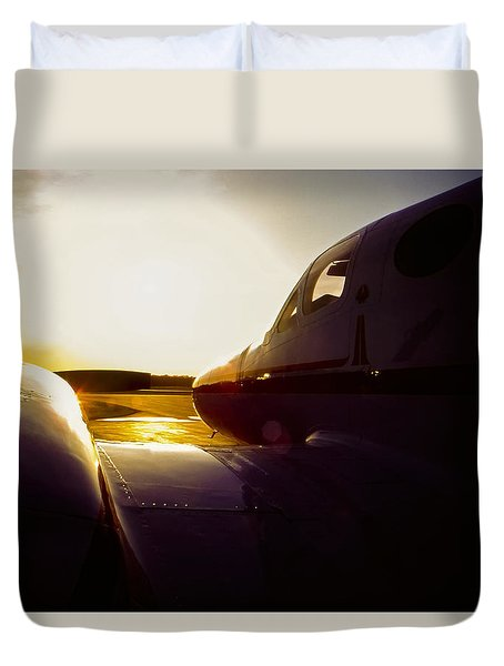 Cessna 421c Golden Eagle IIi Silhouette Duvet Cover by Greg Reed