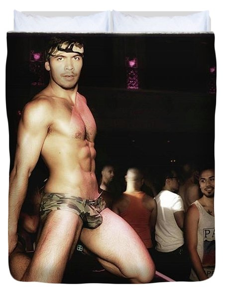 Duvet Cover featuring the photograph Chad Stewart. At A Gogo Boy Appearance by Mr Photojimsf