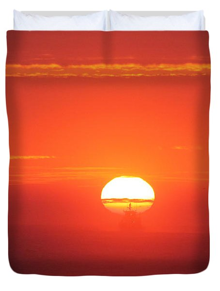 Challenging The Sun Duvet Cover