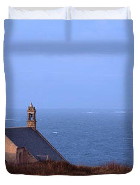 Chapel On The Coast, La Chapelle De Duvet Cover