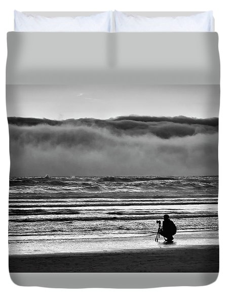 Chasing Tide And Light Duvet Cover