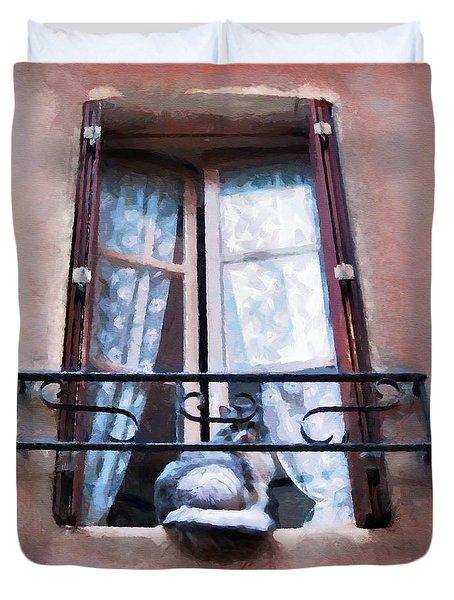 Chat Bleu Dans La Fenetre Rose Duvet Cover