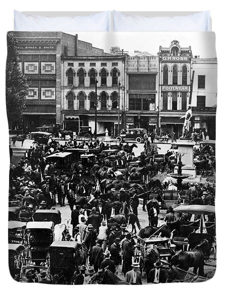 Cheapside Public Square In Lexington - Kentucky - April 7  1920 Duvet Cover
