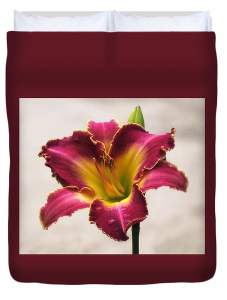 Cherokee Heritage Daylily - Cropped Duvet Cover by MTBobbins Photography